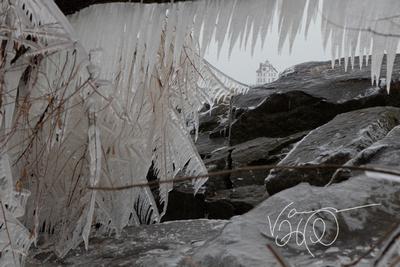 Lorain Harbor Lighthouse  Ice Frame
